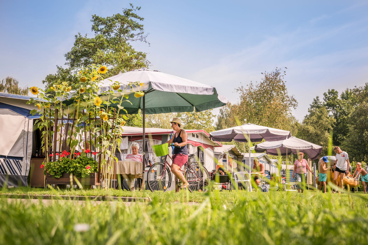 Konstanz-Campingplatz-Klausenhorn-Bodensee-Hauszelte-05_Herbst_Copyright_MTK-Dagmar-Schwelle
