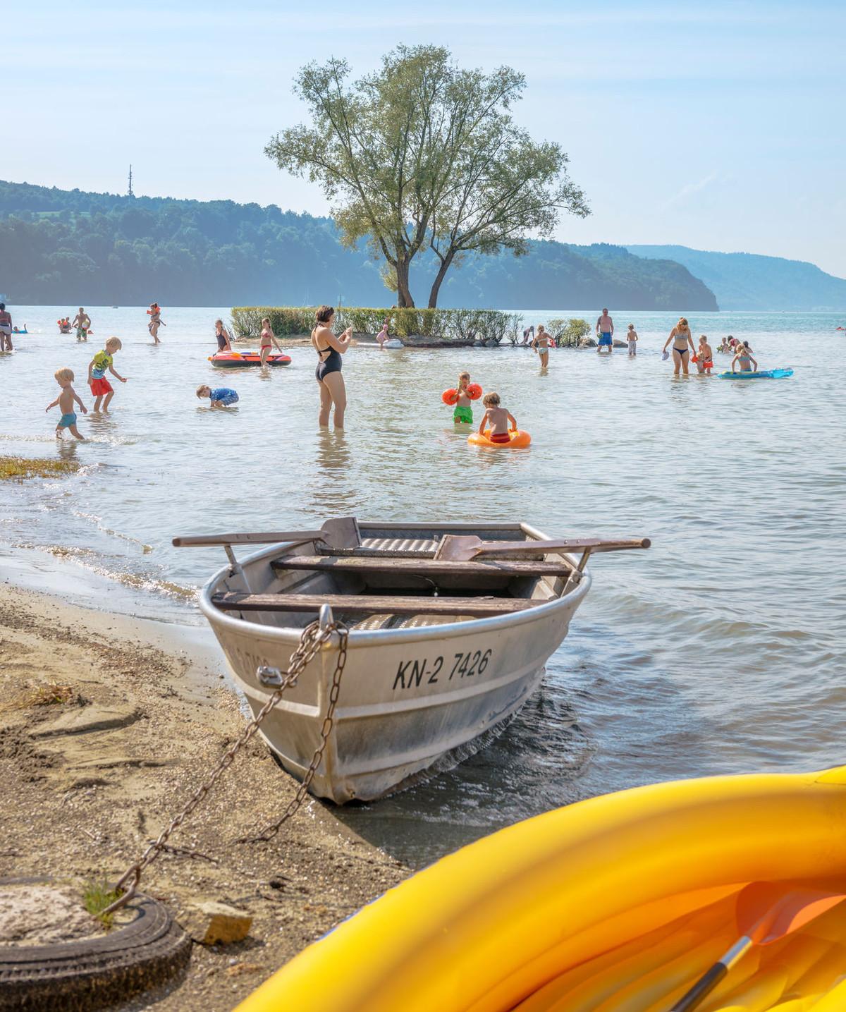 Konstanz-Klausenhorn-Bodensee-Strandbad-Boot-01_Herbst_Copyright_MTK-Dagmar-Schwelle
